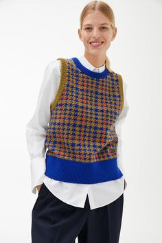 Intarsia Knitting, Vest Outfits, Knitwear Fashion, Knit Vest, Cool Sweaters, Houndstooth, Fitness Fashion, Couture, My Style