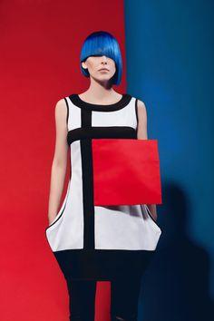 Piet Mondrian by Milica Shishalica Piet Mondrian, Mondrian Dress, 1960s Fashion, Moda Fashion, Fashion Art, Fashion Show, Fashion Design, Sonia Delaunay, Geometric Fashion