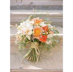 Un bouquet orange et blanc pinterest mariage