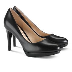Cole Haan Chelsea Pump in Black