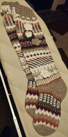 Anelmaiset ruskea sävyisenä Knee Socks, Mittens, Plaid Scarf, Elsa, Flower, Knitting, Creative, Inspiration, Fashion