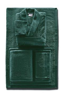 Towel Display, Prussian Blue, Furniture Upholstery, Pearl Grey, Bath Towels, Dark Blue, Natural Colors, Bathroom, Elegant