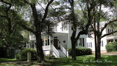 Homes of Historic Southport {Walking Tour}