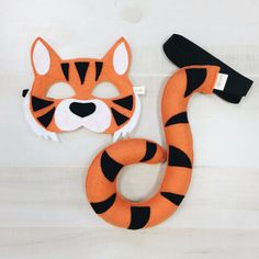 Tiger Mask Tail by oppositeoffar on Etsy Diy Tiger Costume, Book Costumes, Diy Costumes, Halloween Masks, Fall Halloween, Finger Puppet Patterns, Tiger Mask, Animal Masks, Safari Party