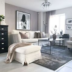 Living Room Rug Design Ideas To Take Your Breath Away - Best Home Ideas and Inspiration Room Rugs, Rugs In Living Room, Living Spaces, Small Living, Home And Living, Wall Colors, Home Accessories, Sweet Home, Interior Design