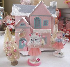 I am loving the vintage style found here at: SaturdayFinds - Vintage-Inspired Gifts, Timeless Treasures and More!: Looking Like Christmas in California