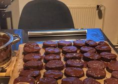 Pastry Cake, Sausage, Cookies, Meat, Recipes, Food, Chef Recipes, Cooking, Crack Crackers
