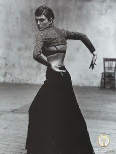 model Laura Ponte photographer Jacques Olivar. Vogue Espana 1998