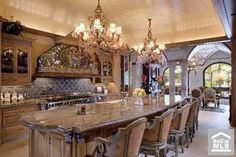 Discover how a warm Italian kitchen design brings food and family together in this photo gallery of traditional style cabinets, decor, and ideas. Elegant Kitchens, Luxury Kitchens, Beautiful Kitchens, Tuscan Kitchens, Dream Kitchens, Contemporary Kitchens, Contemporary Bedroom, Luxury Kitchen Design, Interior Design Kitchen