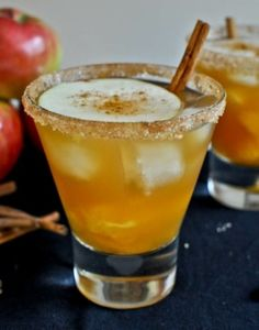Apple Cider Margaritas: (serves 1 but easily multiplies). 1 ounce Grand Marnier, 1 ounce gold tequila, ounces sweet apple cider, orange segments and apple slices, cinnamon + cane sugar + coarse sugar for glass rimming. Cinnamon sticks for garnish. Cocktail Punch, Cocktail Drinks, Vodka Drinks, Alcoholic Drinks, Beverages, Cocktail Recipes, Cocktail Ideas, Martinis, Signature Cocktail