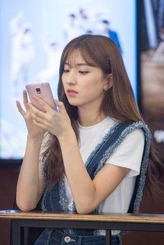 Cosmic Girls, Asian Girl, Rapper, Korea, Girly, Star, Princess, Random, Asia Girl