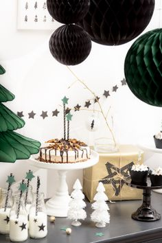 x mas sweet table