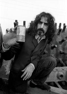Frank Zappa / photo by Baron Wolman