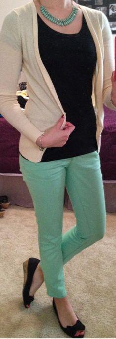 Trendy Tales of a Teacher, teacher fashion, teacher outfit http://trendytalesofateacher.blogspot.com/