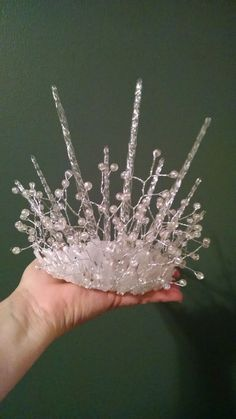 Previous pinner says: My version of the Snow Queen's crown. The base was a crystal costume tiara, glass icicles, some floral beadery, and lots of hot glue. Maquillage Halloween, Halloween Makeup, Ice Queen Costume, Halloween Karneval, Mermaid Crown, Queen Crown, Ice Princess, Fantasy Costumes, Diy Costumes