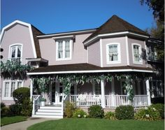 Desperate Housewives -Wisteria - Bob & Lee's home