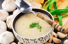 This Garlic Soup Recipe is 100 Times Stronger Than Antibiotics! - The Real Healthy Thing Soup Recipes, Cooking Recipes, Healthy Recipes, Healthy Food, Acid Reflux Recipes, Troubles Digestifs, Garlic Soup, Natural Antibiotics, Baking Ingredients
