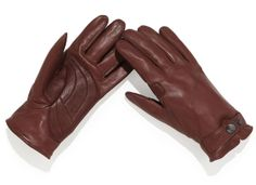 Rapha – Leather Town Gloves    The most practical model if you're looking for a bit of flexibility in movement, Rapha Cycling produce these fromAfrican hair sheep leather. Handily these feature marksman-grade palm padding allowing for maximum control.  http://www.roehampton-online.com/?ref=4231900   #mensfashion #gloves