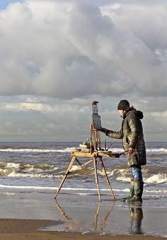 Roos Schuring New paintings- Seascapes and landscapes plein air - photo by Elle Elskamp/ artist at work Artist Life, Artist At Work, Pochade Box, Air Photo, Am Meer, Art Studios, Techno, In This Moment, Inspiration