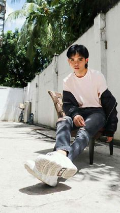 Korean Entertainment Companies, Pop Group, Husband, Boys, Random Pictures, Wallpaper Ideas, Pinoy, Artist, Style