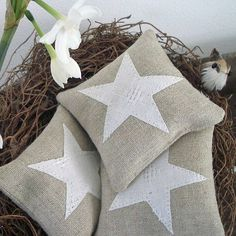 Beautiful stars on linen, stuffed with lavender. Simple and beautiful.
