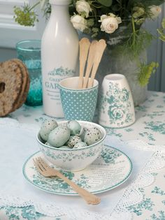 Apple Pie and Shabby Style: Chocolate wishes Deco Pastel, Cocina Shabby Chic, Sweet Home, Pip Studio, Duck Egg Blue, Blue Eggs, Robins Egg, Decoration Table, Cottage Style
