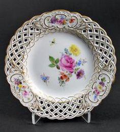 Porzellanmanufaktur Meissen Durchbruchteller Blumen und Insekten Knaufzeit**