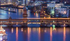 ღღ Berlin - Oberbaumbrücke zur blauen Stunde by Jean Claude  Castor on 500px