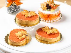 Pumpkin Pie in the Shape of a Pumpkin Tiny by ParisMiniatures
