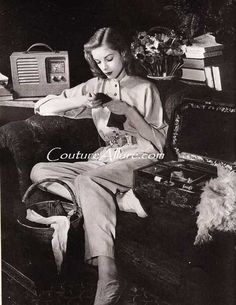 .Lauren Bacall, Knitting.