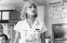 Bridget Fonda in Doc Hollywood Stephanie Zimbalist, Tawny Kitaen, Bridget Fonda, Stephanie Powers, Juliette Binoche, Evangeline Lilly, Julia Roberts, Romantic Movies, Hot Actresses