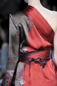 Etro  : beautiful mix of Asia/Europe design. Gorgeous fabric.