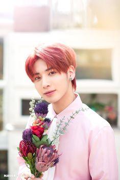 TXT Taehyun Mini Album The Dream Chapter: Eternity Promotion Photoshoot by Naver x Dispatch. Running Away, K Idols, Korean Boy Bands, Pop Group, Photo Cards, Mini Albums, Seoul, Celebs, Entertainment