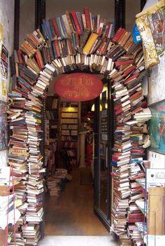 Boeken dienen natuurlijk om te lezen, maar er zijn nog zoveel andere dingen die je ermee kan doen. Neem alvast een kijkje binnenin!