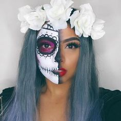 21 Ridiculously Pretty Makeup Looks To Try This Halloween Pretty Halloween, Halloween Face Makeup, Maquillaje Sugar Skull, Maquillaje Halloween Tutorial, Skull Makeup Tutorial, White Face Paint, Dead Makeup, Pretty Makeup Looks, Sugar Skull Makeup