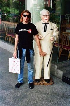 And he also found time to grab a feel of the Colonel. Kurt Cobain Hanging Out With Ronald McDonald And Colonel Sanders Are The Greatest Photos Ever Nirvana Kurt Cobain, Dave Grohl, Ozzy Osbourne, Banda Nirvana, Kurt Corbain, Jimi Hendricks, Beatles, Donald Cobain, Rock Music