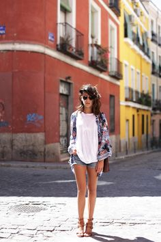 Summer ♥  what-id-wear:  What I'd Wear: The Outfit Database  (source: Lucitisima )