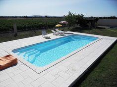 """Piscine coque à fond plat 10.40 mètres """"Grand Lac"""" Nos piscines et spas Piscine et spa à Martigues - Les Eaux Bleues"""
