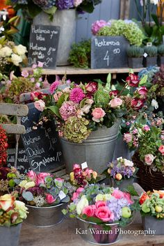 French Flower Market Bouquet Display near exit/entrance. At the end of afternoon, add a sign that offers them as take-home favors French Flowers, My Flower, Beautiful Flowers, Cactus Flower, Exotic Flowers, Flower Market, Flower Shops, Deco Floral, Garden Shop