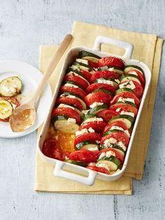 Auflauf von Zucchini, Tomaten und Feta, ein leckeres Rezept aus der Kategorie Gemüse. Bewertungen: 115. Durchschnitt: Ø 4,4.