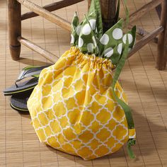 Summer Party Pineapple Backpack or could be made with Royal blue base and gold top. For Royals crown.