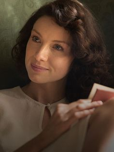 Caitriona Balfe as Claire!
