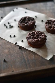 Skinny Double Chocolate Chip Protein Muffins http://www.northcoastnaturals.com/blog/skinny-double-chocolate-chip-muffins/ #glutenfreebaking