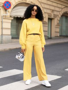 You might not think so, but jumpers are integral to every great look you'll sport this winter. Get inspired by our favourite jumper outfits. Swag Outfits, Cute Outfits, Fashion Outfits, Grunge Outfits, Workwear Fashion, Fashion Blogs, Fashion 2018, Ladies Fashion, Fashion Brands