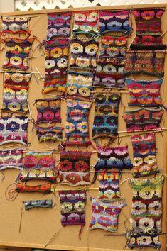rosapomar: persan Coquelicots Colour & Atelier tricot AVEC Brandon Mably   sweetgeorgia