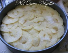 Thousand Layered Apple Cake Candied Fruit, Vegan Recipes, Cookies, Desserts, Apple Cakes, Ethnic Recipes, Sweet, Food, Crack Crackers