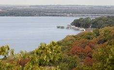 A view of Lake Worth from Inspiration Point, located in Marion Sansom Park Tuesday August 19, 2014 in Sansom Park , Texas. (Star-Telegram/Ron Jenkins) In the 1960's Ft. Worth Boat Club was just beyond this in a cove to the right. I do not know about now.