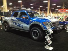 Any Shelby fans? Check out this 575 Horsepower Shelby Raptor at Barrett-Jackson Las Vegas equipped with Addictive Desert Designs Front & Rear Bumpers and a Chase Rack Shelby Raptor, Ford Raptor, Desert Design, All Cars, Las Vegas, Monster Trucks, Jackson, Fans, Vehicles