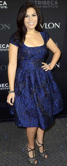 America Ferrera: Half the Sky Screening: dress by Badgley Mischka Apple Shaped Celebrities, Curvy Fashion, Plus Size Fashion, Estilo Lady Like, Apple Shape Fashion, Girl With Curves, Dress Me Up, Dress To Impress, Beautiful Dresses