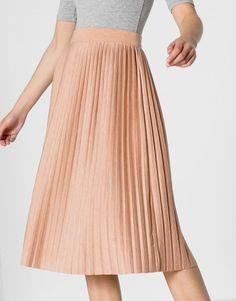 Fine pleat midi skirt - Skirts - Clothing - Woman - PULL&BEAR Greece